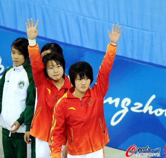 女双10米台-陈若琳/汪皓夺冠 领先亚军近50分