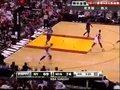 视频:尼克斯vs热火 韦德上篮比两人飞得都高