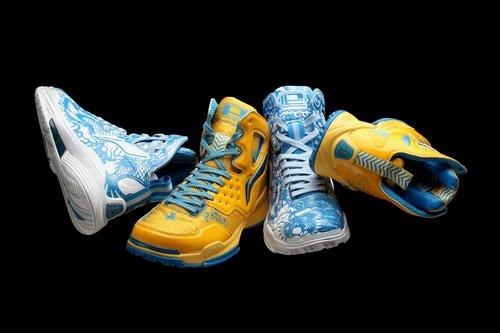 李宁龙年限量版围棋鞋套装发布(图)篮球对害处的眼睛图片
