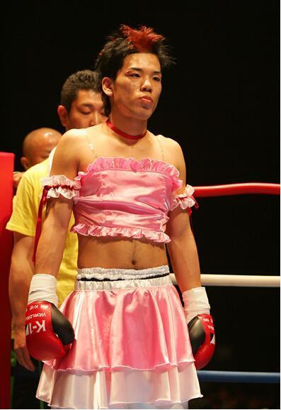 日本第一变态伪娘拳王 武僧一龙两次被羞辱