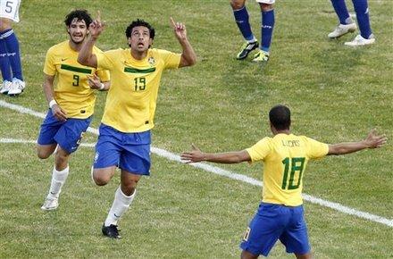 美洲杯-巴西2-2巴拉圭 奇兵终场救主甘索2传