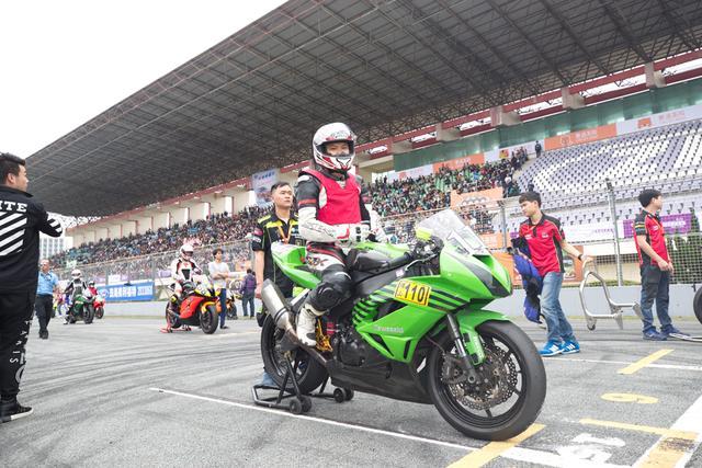ZIC超摩赛600CC组:天石川崎赛车队夺得前三
