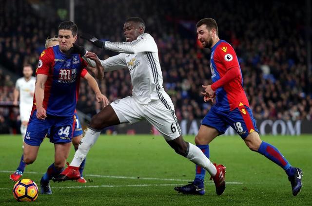 半场-曼联1-0领先水晶宫英国 英超联赛博格巴补