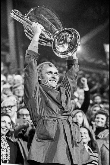 告别!德甲第一赢家去世 曾率拜仁两次三连霸