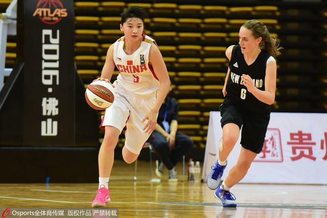 四国赛-国青女篮10分轻取新西兰 王佳琦13+6
