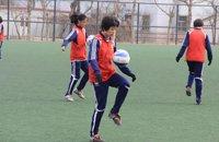 女足学生在训练