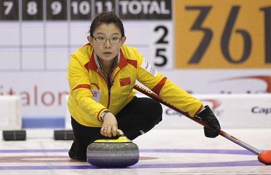 中国女子冰壶逼韩国认输 10-3复仇世锦赛首胜