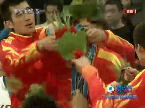 视频:队友向大郅献金牌 一代传奇亚运无憾