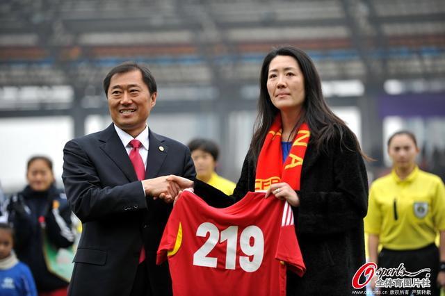 浦玮:遗憾永是99亚军 支持女足应先提高待遇