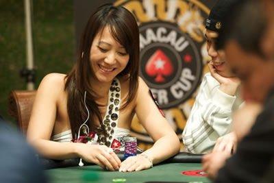 德州扑克游戏在中国的白富美圈子开始流行