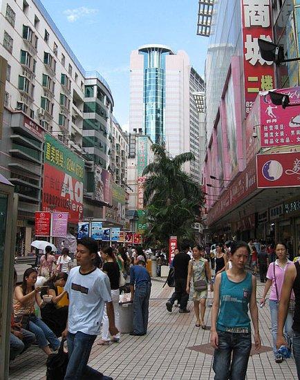 深圳东门老街:深圳发展历史的见证人