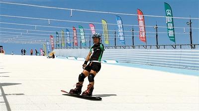 国家残疾人滑雪队成都集训 酷暑中备战冬残奥