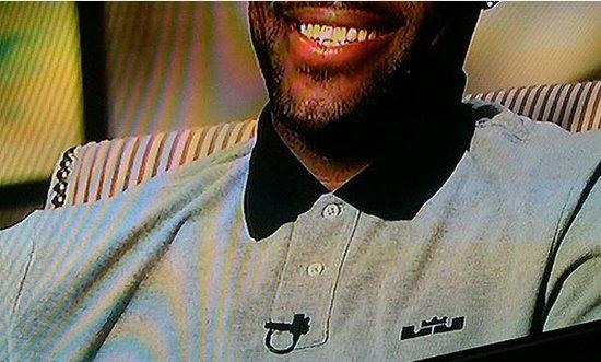 詹姆斯球衣新标志