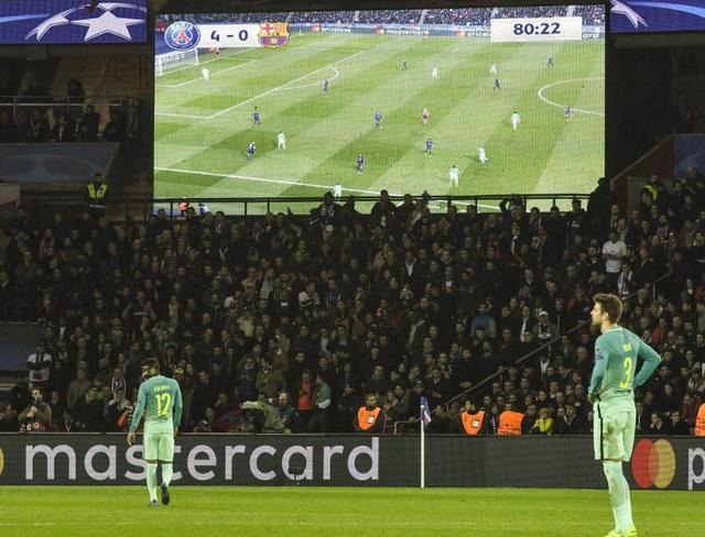 欧冠-巴黎4-0横扫巴萨 天使入两球卡瓦尼破门
