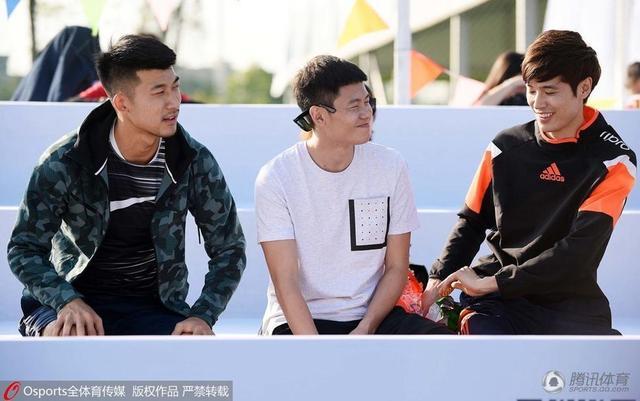 击剑孙伟:支持冯潇霆 喜欢皇马和江苏苏宁