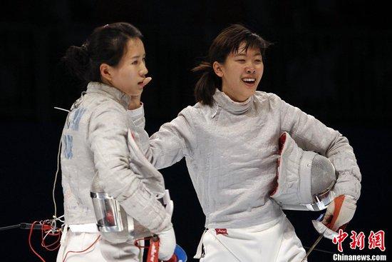 女佩团体中国逆转韩国夺金牌 开赛来首破韩流