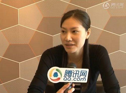 视频:腾讯专访谢杏芳 称期待林丹补办婚礼