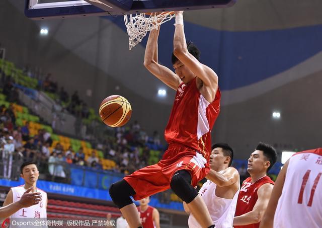 全运男篮-辽宁24分胜上海晋级决赛 周琦20+18