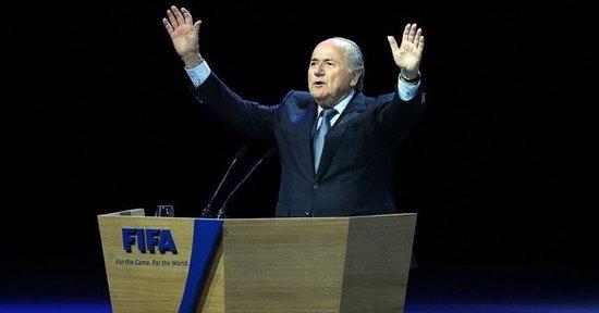 国际足联主席选举结束 布拉特186票连任成功