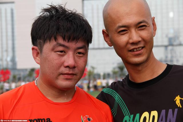 小李明刑满释放现身业余赛场 前国脚身材发福