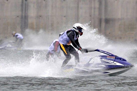 中国摩托艇彭水大奖赛战罢 青岛三江上海夺冠