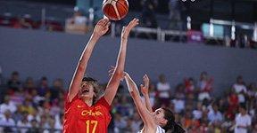 中国女篮对阵塞尔维亚