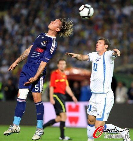 欧预赛-法国2-0首胜 本泽马破门马卢达锁胜局