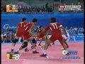 视频:卡巴迪决赛印度选手被推出边线