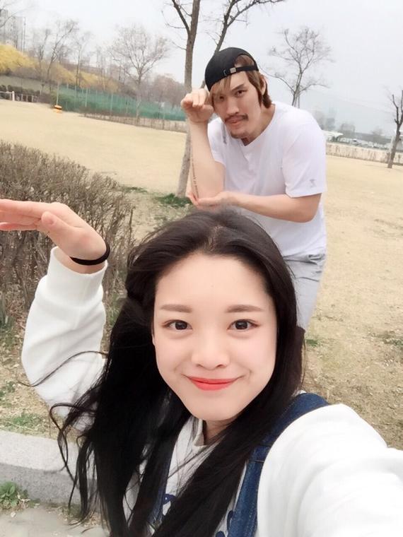 韩国第一勇士与高中生约会? 错了 她叫他叔叔