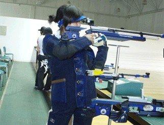 李佩璟50米射击勇夺三金 团体赛夺冠优势明显