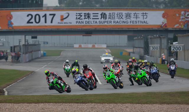 ZIC超摩赛1000CC组 国际名车手参赛竞争空前!