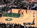 视频:开拓者vs爵士 费佛斯强悍单打纵身上篮