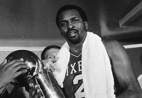 苏群:摩西马龙是NBA里真正的高中生第一人
