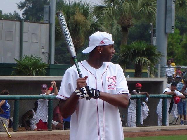 麦蒂承认想加盟蚊子队 获心仪棒球队热情关注