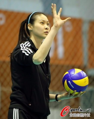 赵蕊蕊:教练能力有欠缺 女排丢弃最宝贵财富