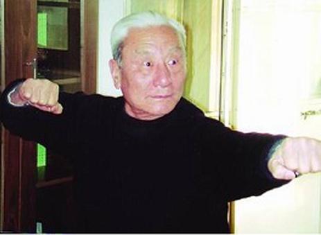 少时大胜西洋拳师 武术教育家蔡龙云在沪病逝