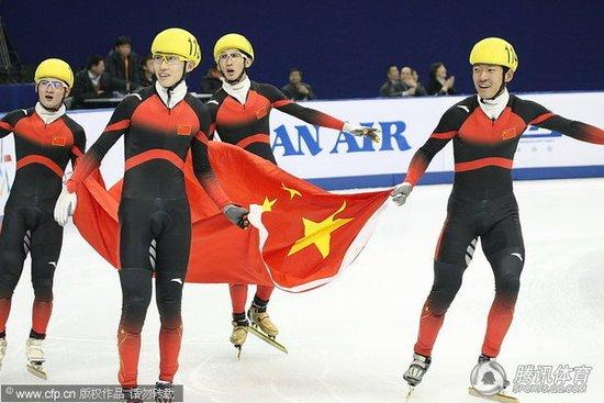 短道男5000米接力韩加抢位摔倒 中国幸运夺冠