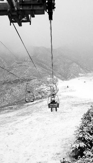 """中国滑雪产业充满泡沫 数字包装出的""""庞大"""""""