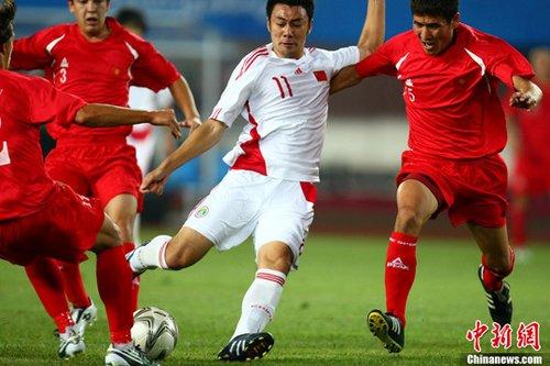 广州亚运国奥队艰难2比1战胜吉尔吉斯斯坦队