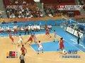 视频:男篮小组赛 李晓旭抢前场篮板得分