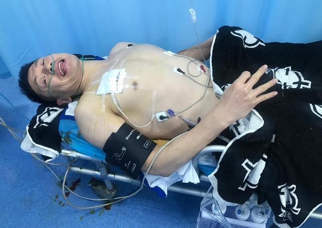 34岁老将被撞断5根肋骨 醒来后却说我不后悔