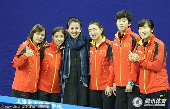短道女3000米接力中国演逆转 4站世界杯夺3冠