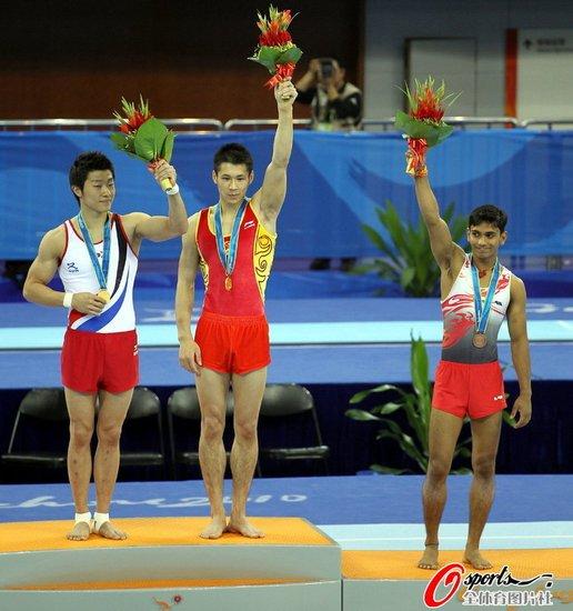 亚运男子自由体操决赛 张成龙金洙冕并列冠军