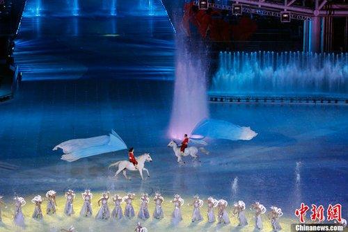 亚奥理事会主席点评近三届体育盛会开幕式
