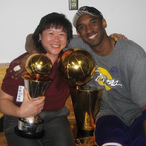 华裔女子长得不美 但科比到哪打球都带着她