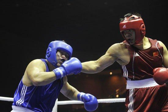 中国重量级拳手战职业赛 奥运银牌追逐金腰带