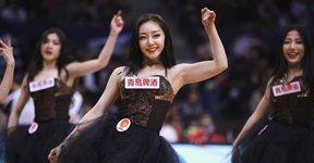 高清:篮球宝贝演黑色诱惑 激情热舞身材性感