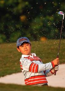 五洞高尔夫展示、体验活动