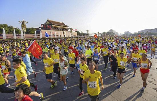 田径协会数据,2015年在中国大陆举行的马拉松赛事为56场,较上一