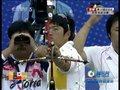 视频:射箭男团决赛 中韩选手双双失误